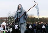 شمایل عجیب معترض کرونایی در هلند +عکس