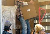 عکس جدید برد پیت در حین کمک به مردم آسیب دیده از کرونا