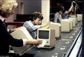خط تولید کامپیوتر  در سال ۱۹۸۴ +عکس