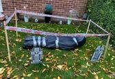 جسد تقلبی در حیاط خانه زن جوان را دچار دردسر کرد!؟